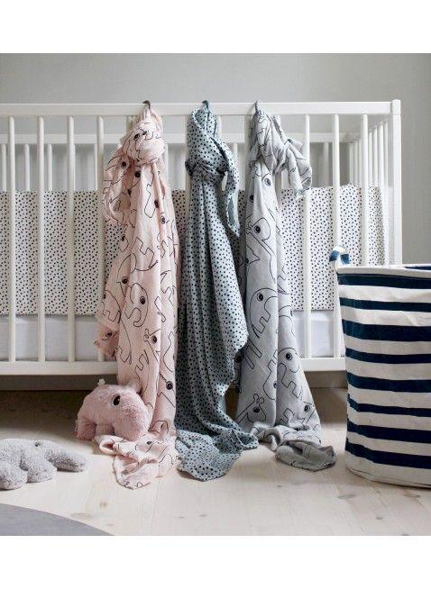 XL-Windeltücher von Done by Deer. Mullwindel Wrap Set XL Happy Dots Rosa und mehr. Erhältlich bei www.kleinefabriek.com.