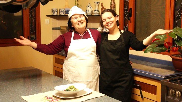 """Торт """"Наполеон"""" - пошаговый фото рецепт и видео рецепт. На сайте http://www.videoculinary.ru/ вы можете получить ответы на все интересующие вас вопросы. С ув..."""