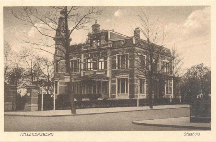 In 1941 werden de gemeenten Hillegersberg, Overschie, Schiebroek en IJsselmonde geannexeerd door Rotterdam. Dit gebouw aan de Straatweg 223 deed van 1922 tot 1941 dienst als raadhuis van Hillegersberg.