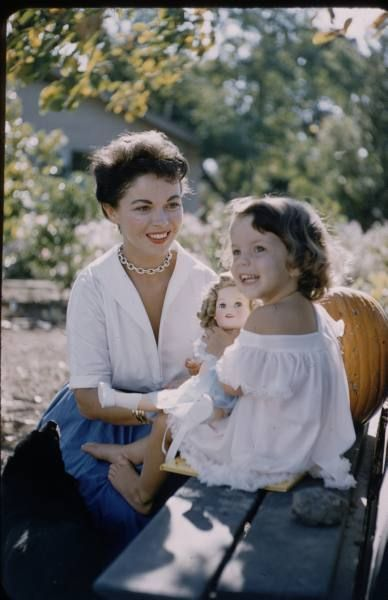 *SHIRLEY TEMPLE and daughter Lori