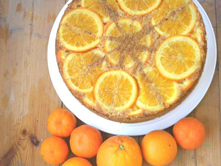 """Tarta de naranja """"boca abajo"""" ,cocinada con naranjas cofitadas a fuego muy lento. Orange upside-down,slow cooking"""
