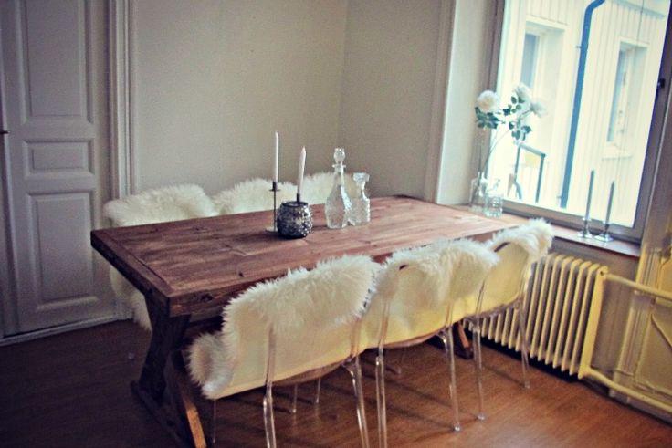 Transparenta Labradoren plaststolar. Polykarbonat, inredning, vardagsrum, sovrum, kök, köksstol, stol, plast. http://sweef.se/stolar/57-labradoren-stol-i-polykarbonat.html