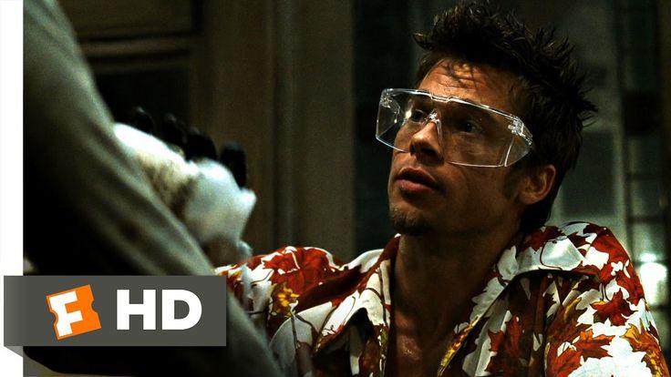 Fight Club - 1999 - David Fincher   In deze scene werkt de muziek ook heel erg op de emotie van de protagonist. Je ziet hier heel erg dat het switcht van moment tot moment wat hier bijzonder goed werkt.