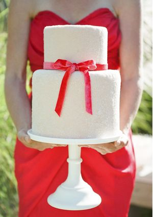 red bow ribbon cake: Red Wedding Cakes, Ribbons Wedding Cakes, Velvet Ribbon, Simple Cakes, Plain Wedding Cakes, Poppies Red Wedding, Bows Ribbons, Ribbons Cakes, Red Bows