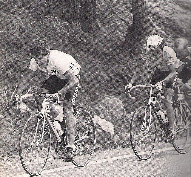 Este blog ha nacido para unir el ciclismo actual con aquel de antaño, para rememorar etapas y corredores míticos de la Historia del Ciclismo, permitiendo al mismo tiempo que nuestros lectores estén informados de la actualidad de este deporte.