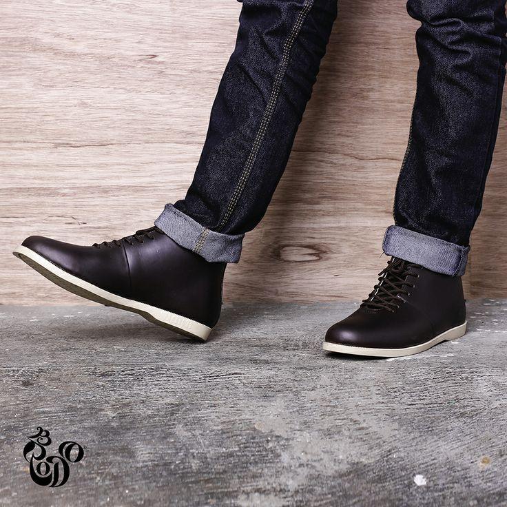 Signore Dark Brown from Brodo Footwear. Visit http://bro.do/id/