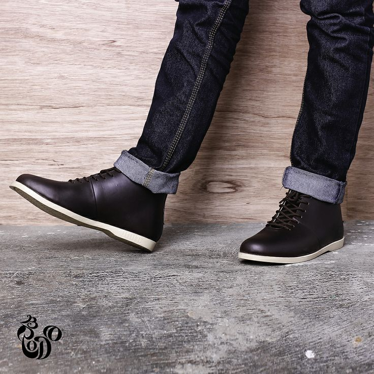 Signore Dark Brown from Brodo Footwear. Visit http://bro.do/id/