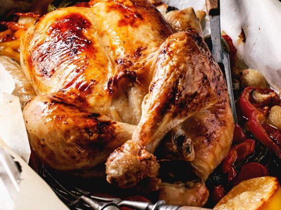 Grillhähnchen mit Ofengemüse ist ein Rezept mit frischen Zutaten aus der Kategorie Hähnchen. Probieren Sie dieses und weitere Rezepte von EAT SMARTER!