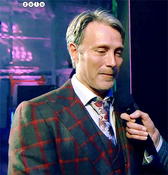 After winning the Zulu award for the 8th time in 2017 (And yes, in one of the Hannibal suits! Just notice HOW he wears it...)