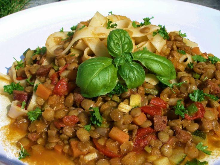 V kuchyni vždy otevřeno ...: Čočkové ragú se zeleninou(cuketa,mrkev,rajčata,bílé víno)