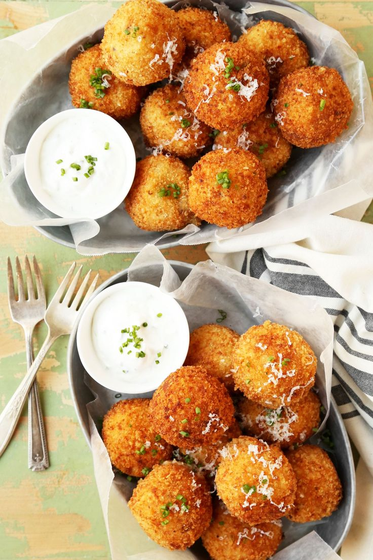 These Loaded Baked Potato Croquettes are the ultimate snack or appetizer to make and share with family and friends at dinner or parties! Make and share!