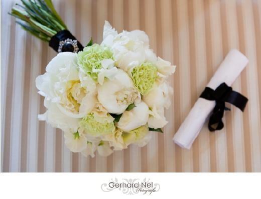Wedspiration met zwart/wit en picknick tijdens bruiloft - Pinterested @ http://wedspiration.com.