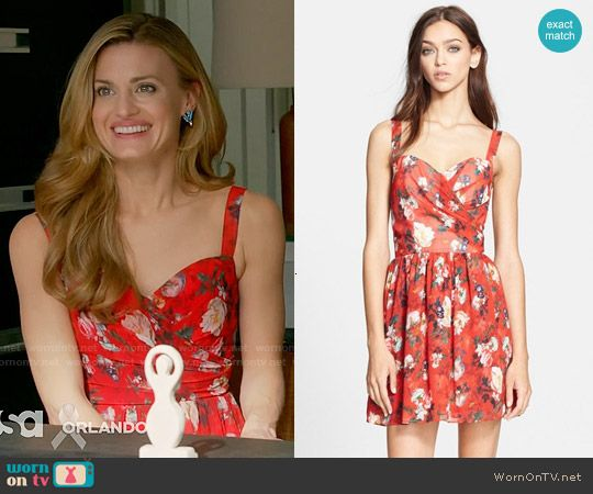 Paige's red floral dress on Royal Pains.  Outfit Details: https://wornontv.net/58250/ #RoyalPains  Buy it here: http://wornon.tv/36590