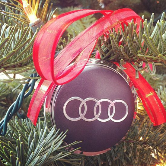 Little touch of #Audi in Christmas decorations #AudihuntValley