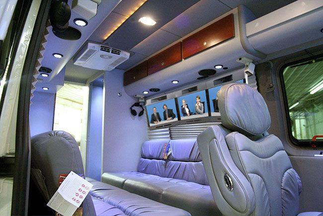 1000 ideas about mercedes sprinter 4x4 on pinterest - Commercial van interiors locations ...