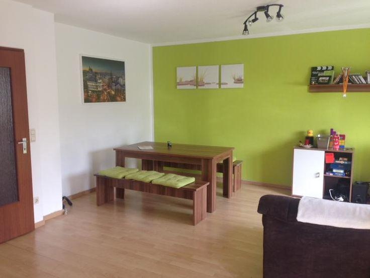 Hellgrüne Wand im Essbereich: Helle, möblierte 2-Zimmer-Wohnung mit zwei Balkonen - Wohnung in Regensburg-Kasernenviertel