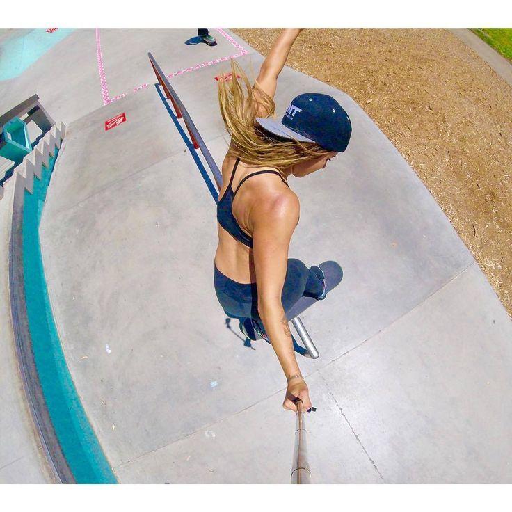 Skateboard Leticia Bufoni - Selfie Friday