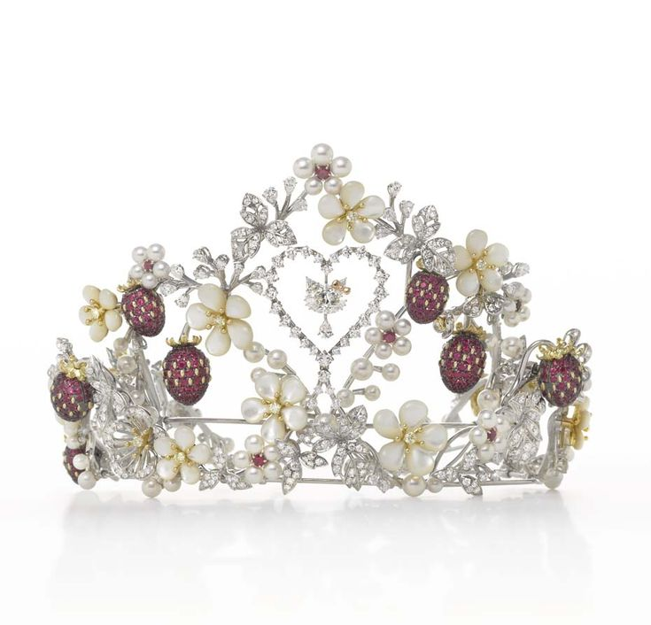 Three centuries of Russian court jewellery is unveiled in Jewels of the Romanovs book | The Jewellery Editor