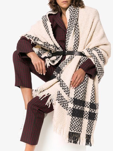 Aessai grace knitted blanket scarf Casual outfit trend for the Fall of 2018.Seal your style and feel perfectly cozy when you layer with this Poncho. W…