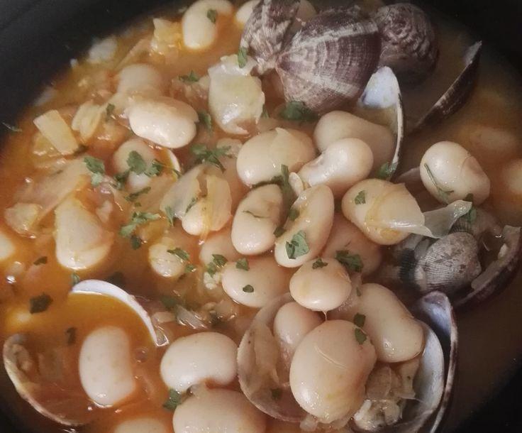 Fabes con almejas https://mycook.es/receta/fabes-con-almejas