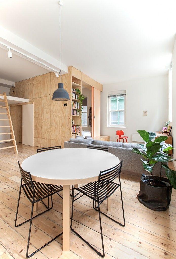 houten wandbekleding in minimalistisch appartement - Clare Cousins Architects