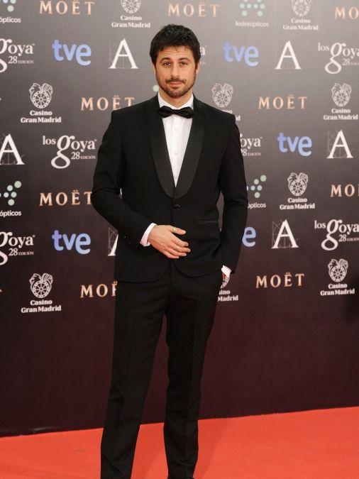 Hugo Silva, de Paco Varela. Alfombra roja Premios Goya 2014(Spain)