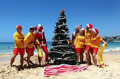 Sandy toes and salty hair. A moment to relax with friends and family. Could there be anything better than an Australian Christmas? Discover our gift ideas, tips and essentials for a perfect Beachside Christmas. See more at: http://www.qvb.com.au/christmas/giftfinder #qvbforeverchristmas #funinthesun #beachchristmas