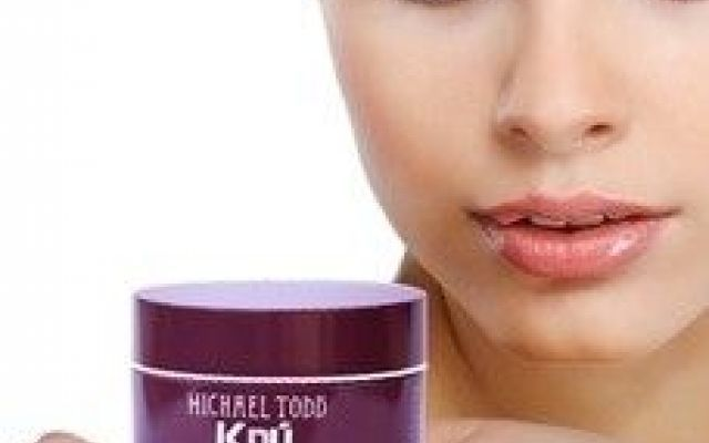 WELCOME YOUTHFUL AND GORGEOUS SKIN WITH ANTI AGING FACE-LIFT CREAM #fashion #beauty