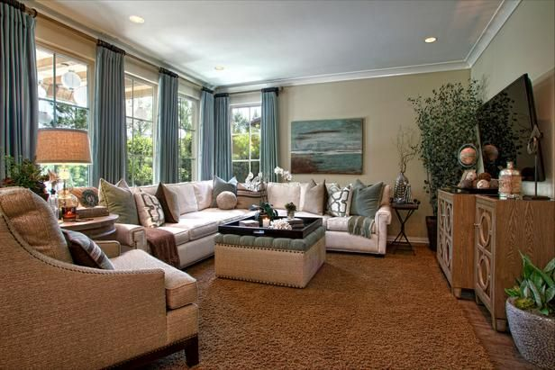 Beautiful colors & textures in this room! (HGTV DP_Rejoy-Geehan-neutral-traditional-living-room-sectional_h_lg.jpg 616×411 pixels)