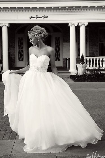 inspiracja suknia i fryzura