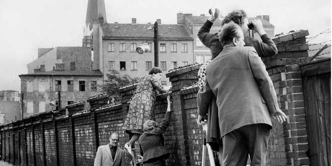 Over the Wall: Six Stories from East Germany | Chemical Heritage Foundation