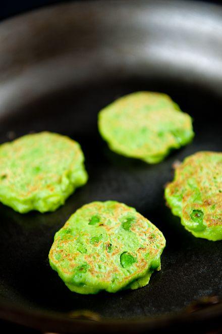 Fresh Pea Pancakes with Smoked Salmon, Crème Fraiche & Quail Eggs | Zen Can Cook