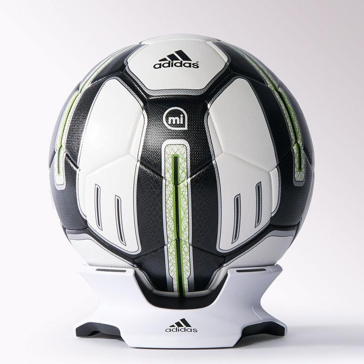 Focus on your ability to control, strike and manipulate the soccer ball so your on-pitch skills are at their best. The miCoach Smart Ball's unique sensor construction lets you fine-tune your dead-ball kicking technique with instant feedback on power, spin, strike and trajectory, along with exclusive tips and guidance to help you get the most from your game.