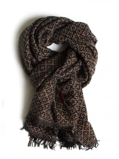 Heavy printed scarf. Measures/cm 58 x 184.