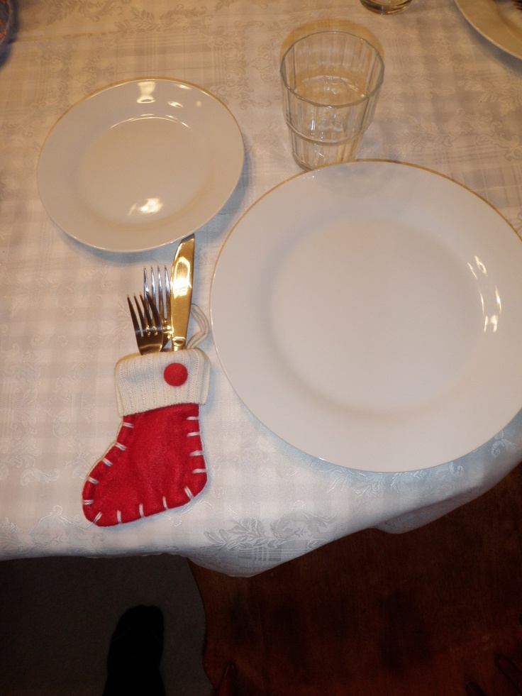 Cute cutlery holders for Christmas themed events.: Cutlery Holder