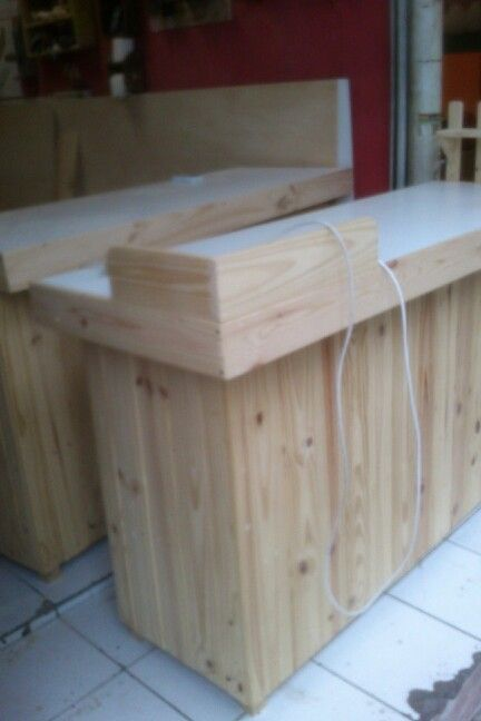 Booth stahl pallet wood