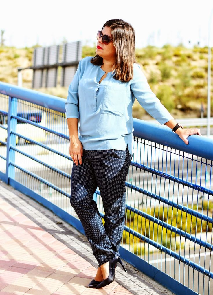 look-working_outfit-blue-zara-coach_bag