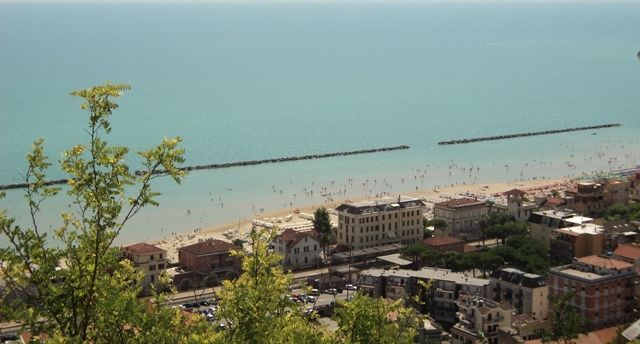 Visit Grottammare - Pan of Grottammare from old town centre
