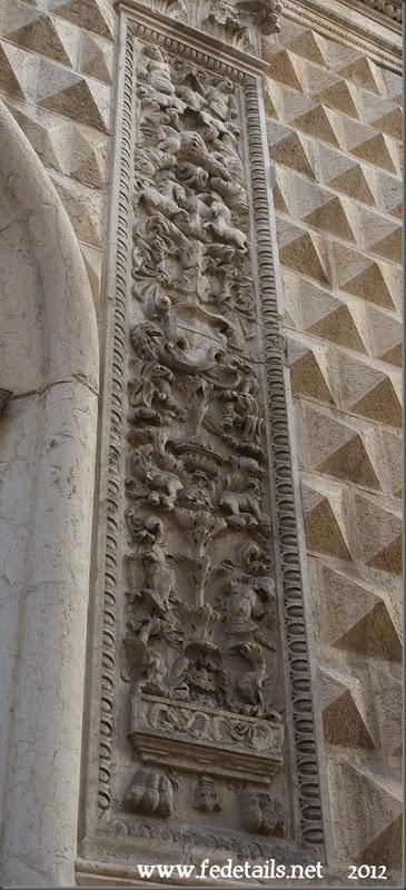 Entrata di Palazzo dei Diamanti (dettaglio laterale), #Ferrara, Emilia Romagna, Italia - The entrance to Palazzo dei Diamanti (side detail), Ferrara, Emilia Romanga, Italy - Property and Copyrights of www.fedetails.net