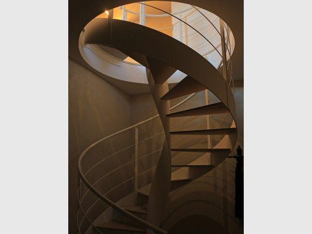 Les 25 meilleures id es de la cat gorie escalier en colima on sur pinterest - Escalier colimacon petit diametre ...