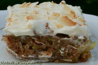 Ciasto z cukinii z dodatkiem ananasa i kremem twarożkowym