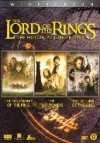 Met de hulp van een moedig Genootschap van vrienden en bondgenoten begint Frodo aan een gevaarlijke missie om de legendarische Ring te vernietigen.  In het middelste deel van de historische filmtrilogie valt het Genootschap uit elkaar, maar haar missie om de Ring te vernietigen gaat door.  De eindstrijd om Midden-aarde begint. Frodo en Sam, met Gollum als gids, vervolgen hun gevaarlijke missie richting de vuren van de Doemberg om de Ring te vernietigen.