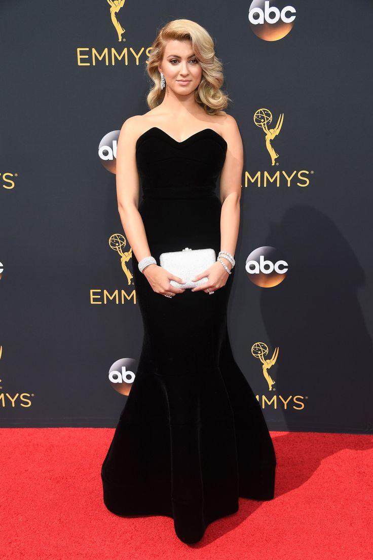 Tori Kelly aux Emmy Awards 2016
