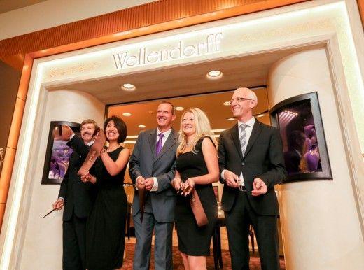 Die Pforzheimer Schmuckmanufaktur Wellendorf eröffnet eine Filliale in Tokio, Japan. ICON war vor Ort http://www.welt.de/icon/article133534245/Eine-schrecklich-nette-Familie.html