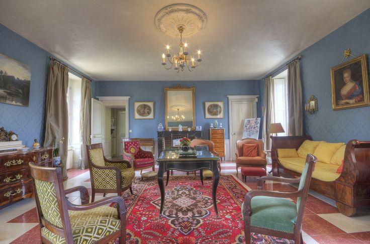 """Chambre d'hôtes à Crossac : """"Manoir de Bel Ebat"""" Manoir du 18e récemment restauré en conservant l'authenticité des lieux, entre Nantes et la Baule, à proximité de la côte, dans le parc de Brière."""