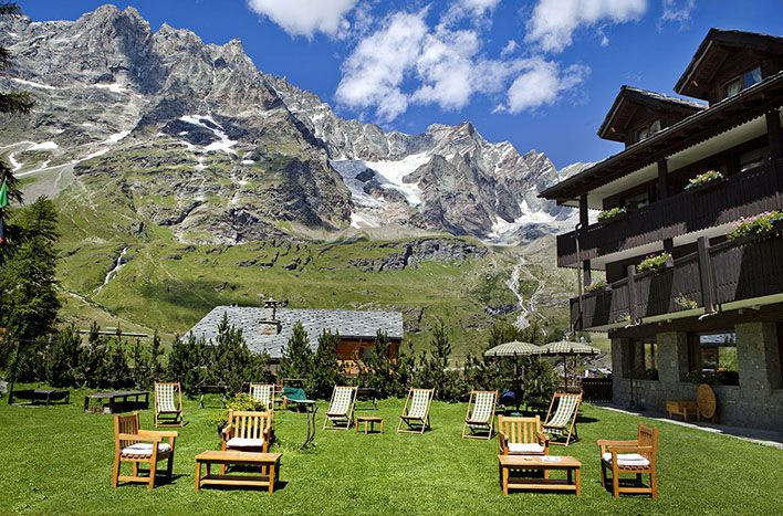Hermitage Hotel & Spa south of the #Matterhorn in Breuil-Cervinia near the Italian-Swiss border. #relaischateaux #italy #topoftheworld