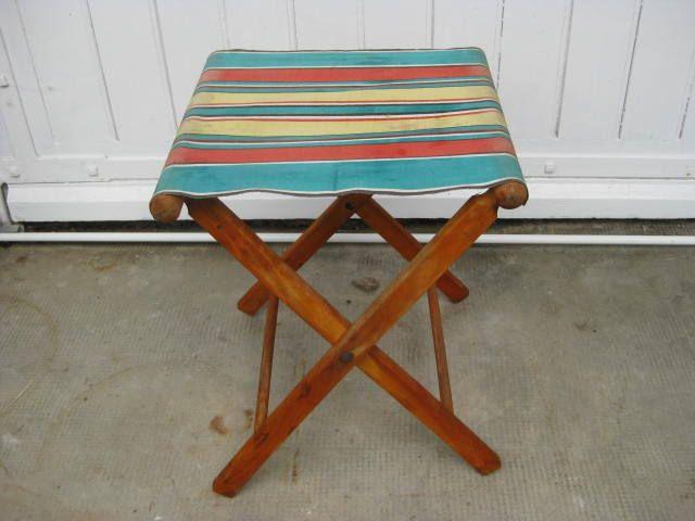 Opvouwbaar houten strandstoeltje, visstoeltje met gestreepte canvas bekleding. door pollysonlyworld op Etsy