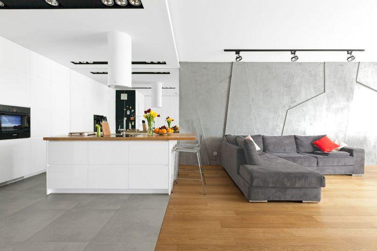 Betonowa ściana w salonie
