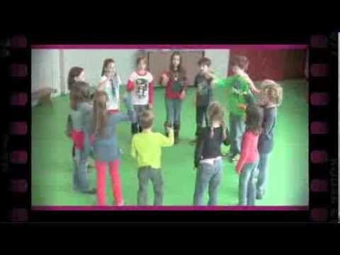 ▶ Zevensprong (dramaoefening bij lesmethode DramaOnline) - YouTube