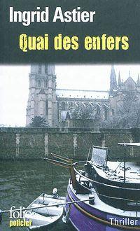 Paris, l'hiver. Noël s'approche. Au cœur de la nuit, une barque glisse sur la Seine, découverte par la Brigade fluviale à l'escale du quai des Orfèvres. À l'intérieur, un cadavre de femme, sans identité...